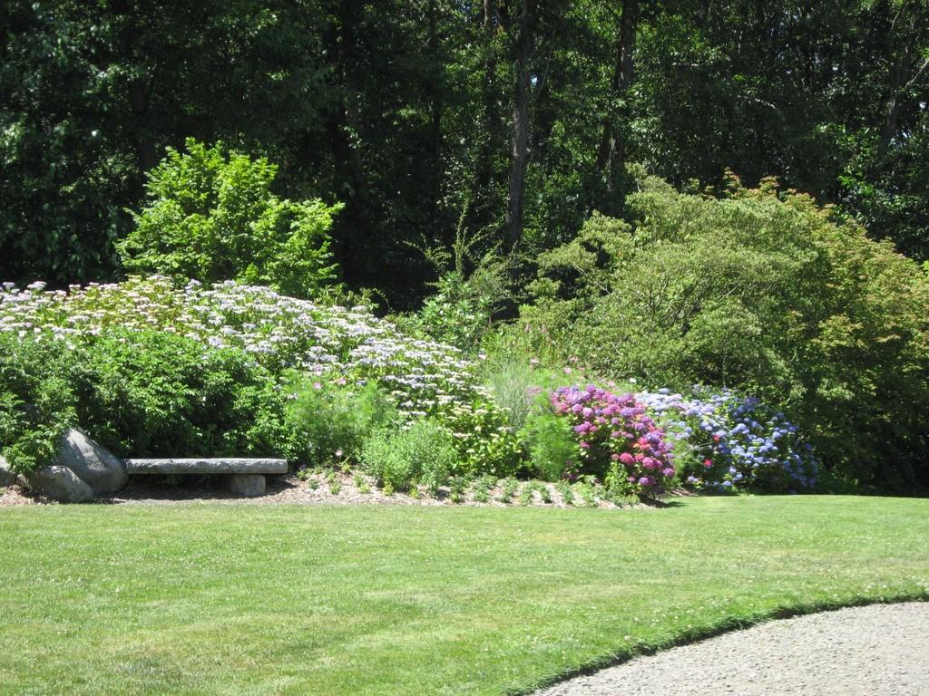 Kubota garden terrace discover nikkei for 1 garden terrace