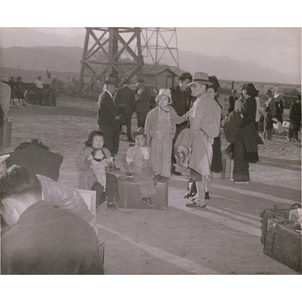 arrival at manzanar Eliot elisofon/the life picture collection/getty images first arrivals japanese-americans arrive at the manzanar camp carrying their belongings in suitcases and bags, march 21, 1942 countless japanese-americans held in camps run by the war relocation authority left their homes and businesses with only what they could carry — and in many .