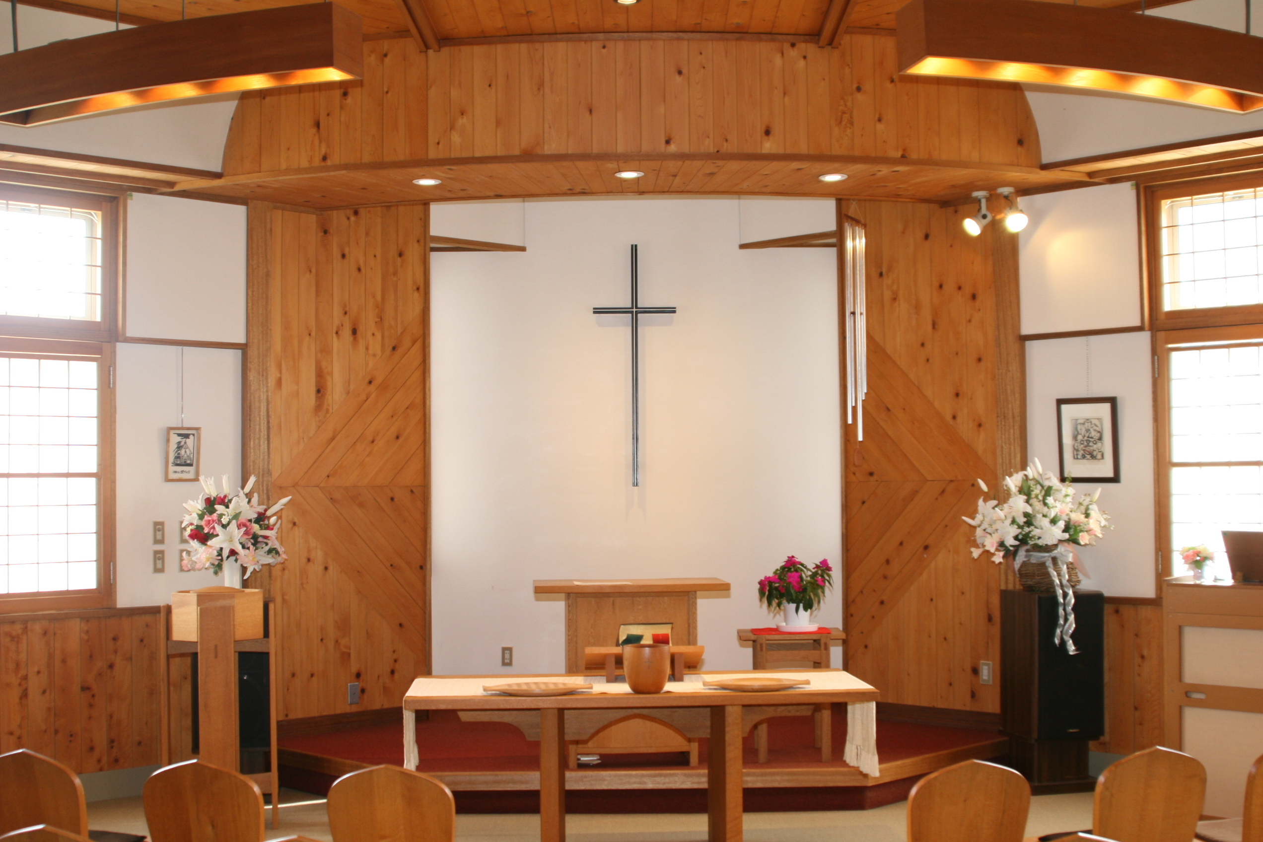 tono baptist church interior 2006