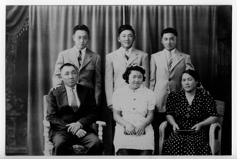 farewell to manzanar essay on papa