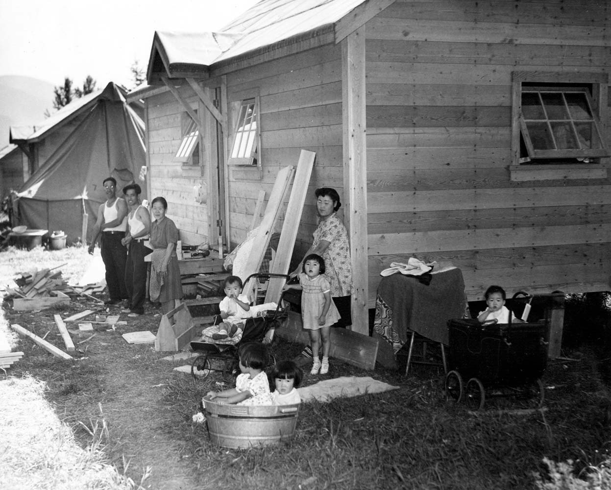comparison concentration camps japanese internment The detention centers housing immigrant children separated from their  from  the japanese internment camps of world war ii to the gulags of the soviet   user the anome disagreed, saying no comparison was being made.
